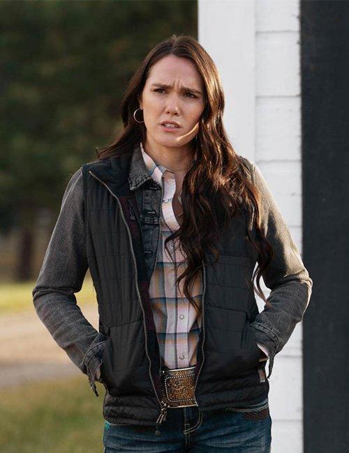 Mia Yellowstone S03 Eden Brolin Jacket