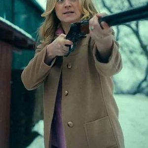 The-Umbrella-Academy-S02-Sissy-Coat
