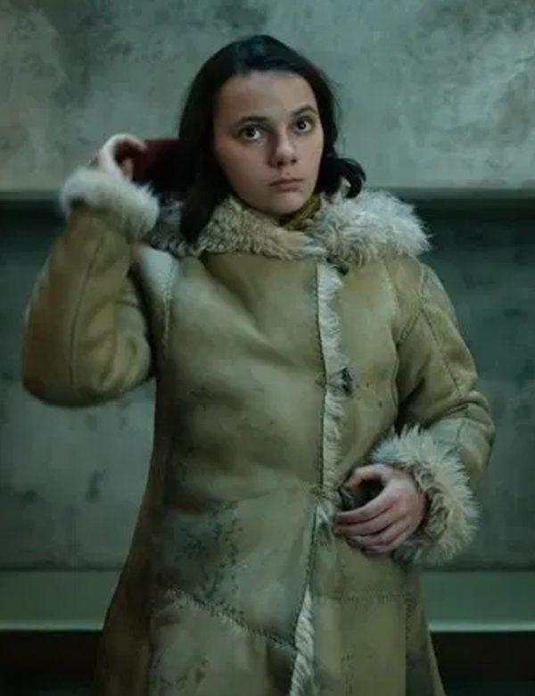 Dafne Keen Brown Fur Coat   His Dark Materials Lyra Belacqua Coat