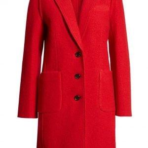 Kiernan Shipka The Chilling Adventures of Sabrina Red Coat1