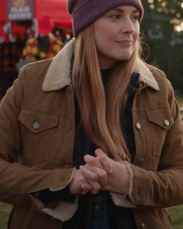 Virgin-River-S03-Melinda-Monroe-Shearling-Collar-Jacket