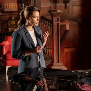 Tv-Series-Lucifer-Lauren-German-Coat