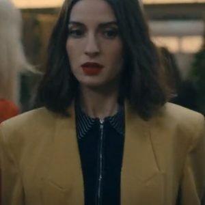 Sounds-Like-Love-2021-Maca-yellow-blazer